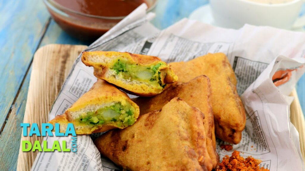 Bread Pakoda (Mumbai Roadside Snacks) by Tarla Dalal